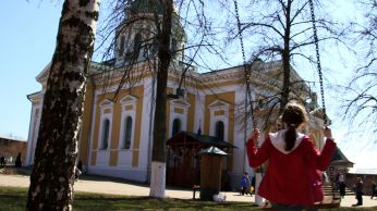 Moscow church and swing
